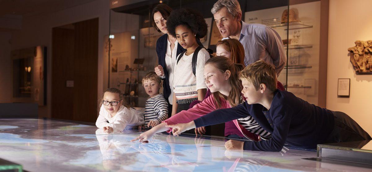 children touring a washington, dc museum