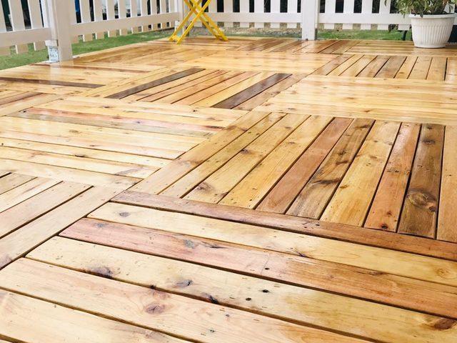 Deck Terraza De Madera Reciclado Muebles Y Silliones De