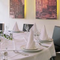 Gastraum - Für kleine und geschlossene Gesellschaften steht im 1. Stock ein variabel zu bestuhlender Raum zur Verfügung.