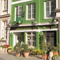 Deichstraße - Der Alt Hamburger Aalspeicher trägt seinen Namen zu Recht. Das Bürgerhaus in der traditionellen Deichstraße ist über 300 Jahre alt.