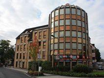 Renommiertes und gepflegtes Ärztehaus in Hürth mit rötlicher Klinkerfassade