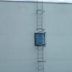 Steigleiter mit Rückenschutz