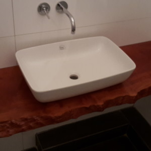 Waschbeckeneinfassung