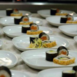Sushi von Lachs und Avocado