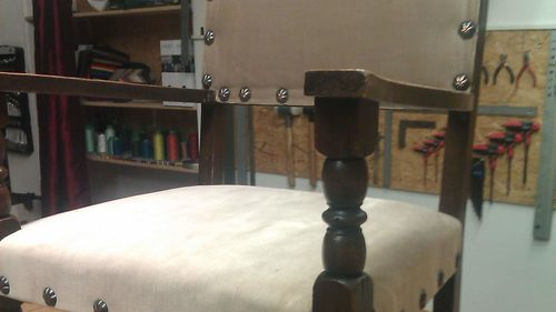 Historischer Stuhl neu bezogen
