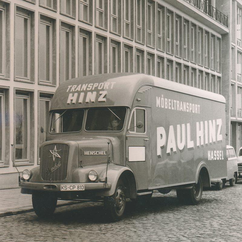 Erster Möbeltransporter von 1923 der Firma Paul Hinz Transport GmbH in Kassel.